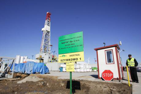 Canadian company Talisman Energy drilling for shale gas in Szymkowo in Poland