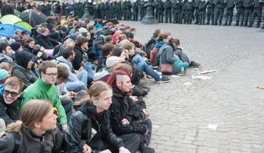 Blockupy protesters take action against banking and finance system