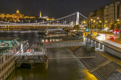 River and city (Budapest).