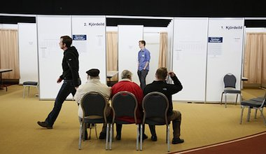 Icelanders vote in the 2013 election. Demotix/Eythor Arnason. All rights reserved.