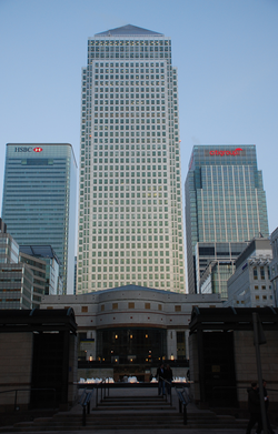 250px-Canary_Wharf_1_Canada_Square.png