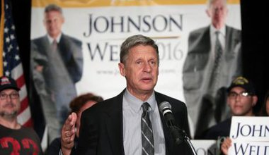 Gary Johnson speaks to supporters. Flick/Gage Skidmore. Some rights reserved.
