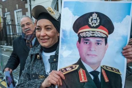 Egyptians support Sisi in London, 2014.