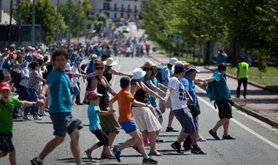 The human chain through the Basque region on 8 June 2014. Demotix/Javi Julio. All rights reserved.