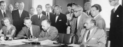 Signing of the UN Refugee Convention (UNHCR/UN Archives)