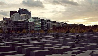 640px-Person_jumping_at_the_Memorial_to_the_Murdered_Jews_of_Europe[1].jpg