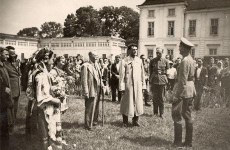Western Ukrainians greet the arriving Wehrmacht with flowers in 1941.