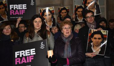 Protest for the release of Raif Badawi outside the Saudi embassy in London. Demotix/See Li. All rights reserved.
