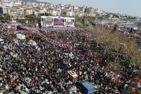 The CHP's first rally in Istanbul, April 11.
