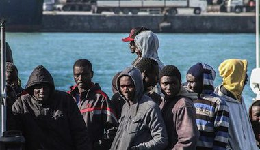 Rescued migrants at Catania. Demotix/Vincenzo Barbagallo. All rights reserved.
