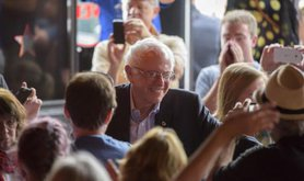 Bernie Sanders speaks at sold out event at Seattle bar.