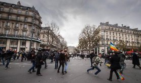 Despite the state emergency in France many decided to join the Climate March and challenge the interdiction to demonstrate.