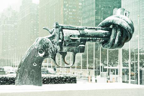 The Disarmament Sculpture outside the UN building, New York. Luke Redmond/Flickr. Some rights reserved.