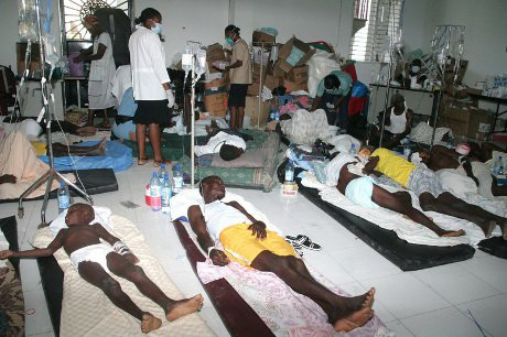 Tens of thousands of people in Haiti are threatened by a recent Cholera outbreak despite the UN insisting that the endemic is stabilising. Artibonite Rover, Haiti. 22/10/2010.