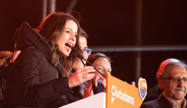 Inés Arrimadas, party leader of Ciudadanos, giving a speech after winning elections in Catalonia in 2017 | Luay Albasha / Alamy Stock Photo. All rights reserved
