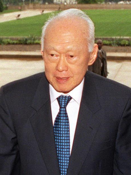 Lee Kuan Yew at the Pentagon, 2002.