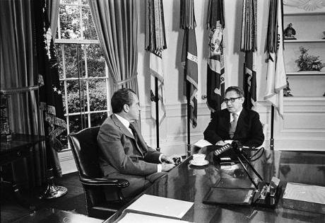 Richard Nixon and Henry Kissinger talk in the Oval Office. Image: public domain.