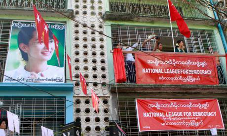 Aung San Suu Kyi addresses a crowd of supporters of the National League of Democracy. (Credit: Ye Naung/Jazz Editions/ABACA/PA)