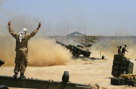 Iraqi security forces fire artillery, Fallujah, 29 May 2016. Anmar Khalil/AP/Press Association. All rights reserved.
