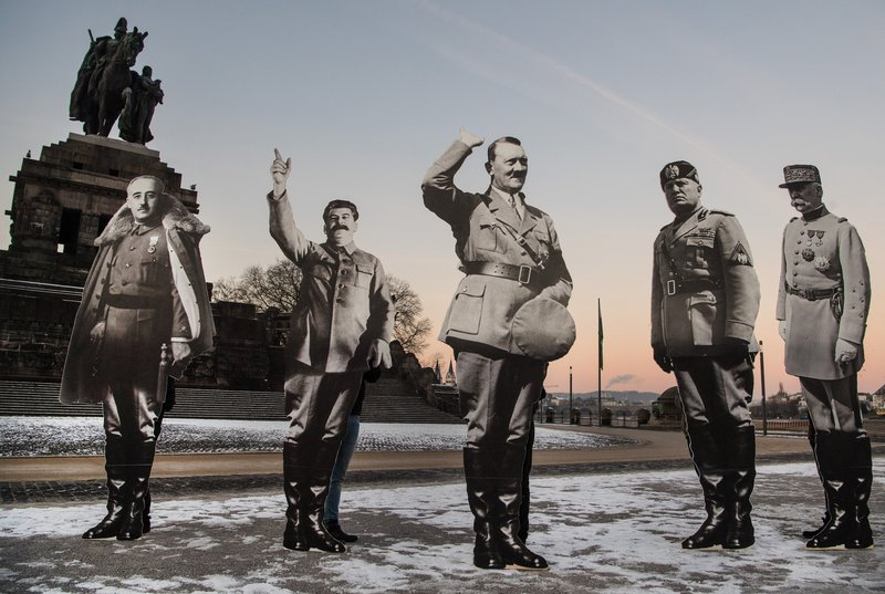 Avaaz activists set up cardboard cutouts of European facists Franco, Stalin, Hitler, Mussolini and Petain in Koblenz, 21 January 2017, to protest the ENF congress.