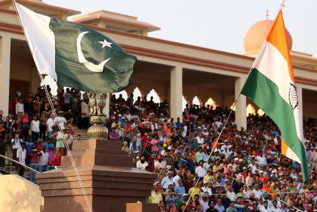Pakistani and Indian national flags.