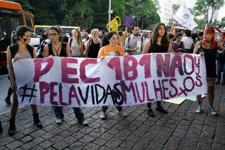 Protesters against PEC 181, November 2017.