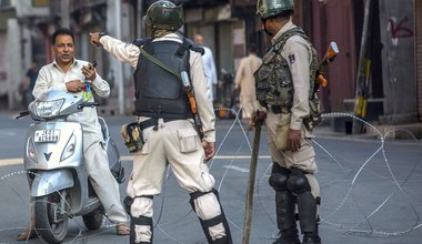 Kashmir man stopped by Indian soldiers