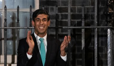 Chancellor Rishi Sunak outside 10 Downing Street, London, joining in with a national applause for the NHS to show appreciation for all NHS workers who are helping to fight the Coronavirus. 26 March 2020