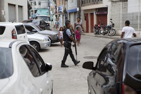 Pacifying Police Unit, Rio. Sub.Coop. All rights reserved.