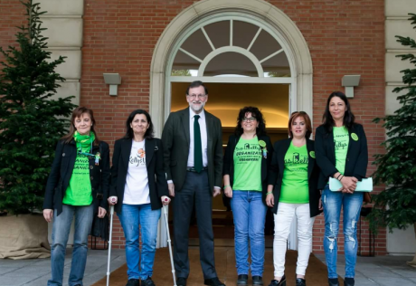 Myriam Barros, Ana Nacher and others from Las Kellys when they met President Rajoy, 2018.