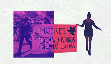 Mexico City, November 2020. The banner reads 'Women forging joints, forging fights'.