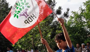 Young boy with HDP flag at rally in Diyarbakir, Turkey. Aurore Belot/Demotix. All rights reserved.
