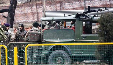 Indian army truck and soldiers in Srinagar, Kashmir.
