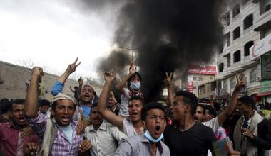 Demonstrations in Taiz to force Huthi militia from the city, March 2015.